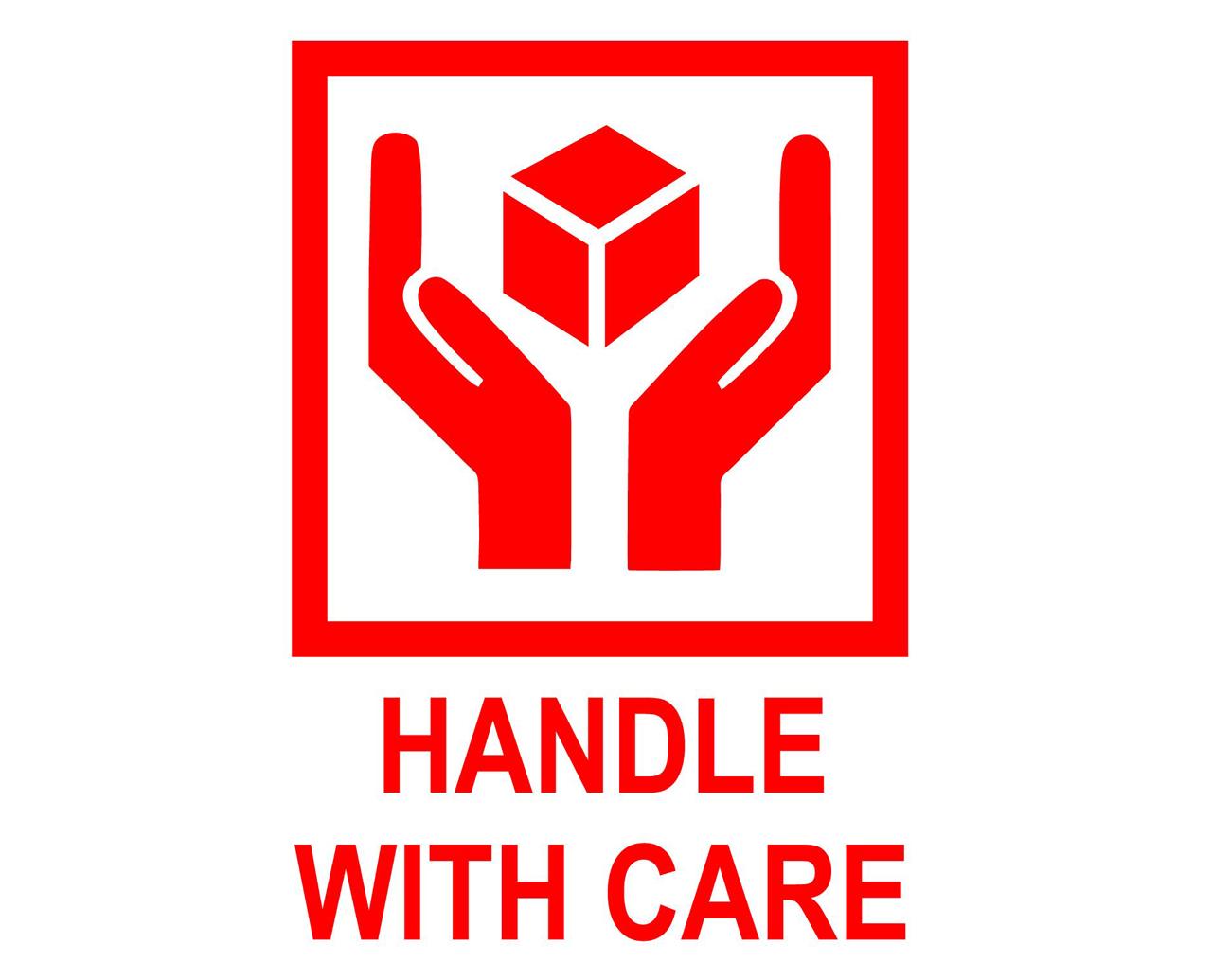 Julian Palacz_HANDLE WITH CARE